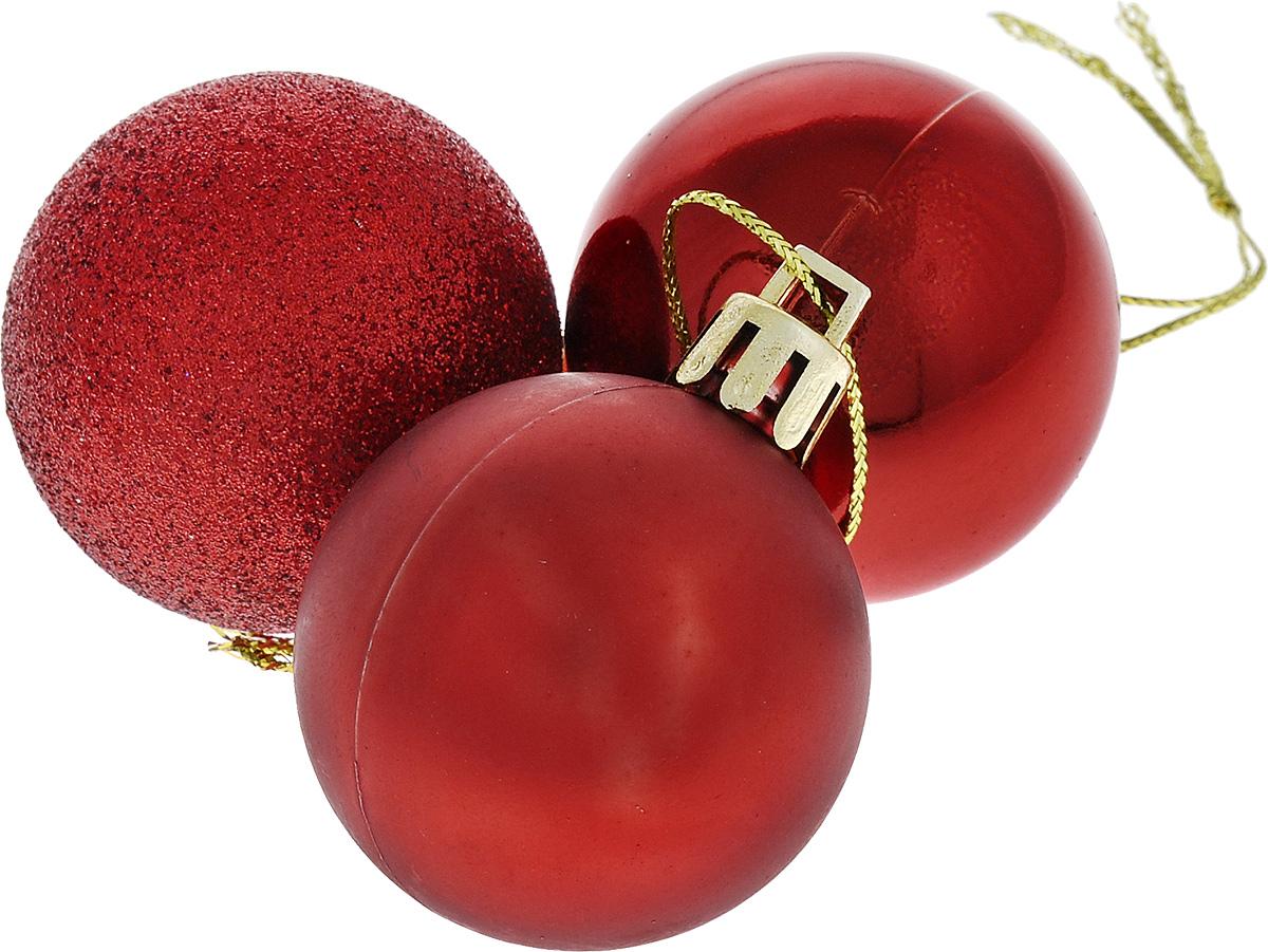 Набор новогодних подвесных украшений Euro House Winter, цвет: красный, диаметр 4 см, 3 штЕХ10987_красныйНабор подвесных украшений Euro House Winter прекрасно подойдет для праздничного декора новогодней ели. Набор состоит из 3 пластиковых украшений, выполненных в виде шаров. Одни из шаров покрыт блестками, другой имеет матовую поверхность, третий - глянцевую поверхность. Для удобного размещения на елке для каждого украшения предусмотрена петелька, выполненная из текстиля. Елочная игрушка - символ Нового года. Она несет в себе волшебство и красоту праздника. Создайте в своем доме атмосферу веселья и радости, украшая новогоднюю елку нарядными игрушками, которые будут из года в год накапливать теплоту воспоминаний. Откройте для себя удивительный мир сказок и грез. Почувствуйте волшебные минуты ожидания праздника, создайте новогоднее настроение вашим дорогим и близким.