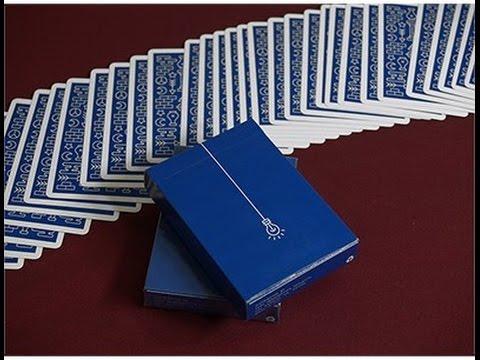 Игральные карты Pure Imagination Projects ICON, цвет: синийК-439Pure Imagination Projects ICON - очень красивые карты с интересным и необычным дизайном рубашки. Карты выполнены из высококачественного картона. Они превосходно подойдут как для игры, так и для личной коллекции.