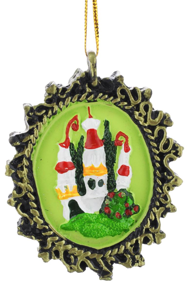 Новогоднее подвесное украшение Феникс-Презент, 7 х 5,5 см38264Новогоднее подвесное украшение Феникс-Презент отлично подойдет для декора праздничной ели. Изделие выполнено из полирезины. Украшение оснащено петелькой для подвешивания. Елочная игрушка - символ Нового года. Она несет в себе волшебство и красоту праздника. Создайте в своем доме атмосферу веселья и радости, украшая новогоднюю елку нарядными игрушками, которые будут из года в год накапливать теплоту воспоминаний.