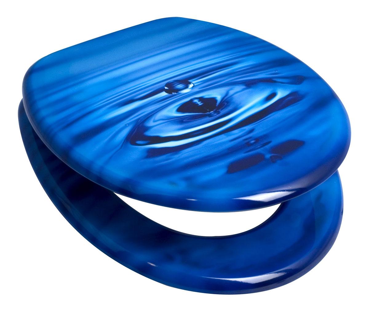 Сиденье для унитаза Duschy Drop, цвет: синий, голубой, 44 х 37 х 5 см 806-03806-03Сиденье для унитаза Duschy Drop, изготовленное из материала МДФ (мелкодисперсная фракция дерева), - это комфорт и гигиеническая чистота на достойном уровне. Плюс МДФ в том, что это экологически чистый материал. МДФ имеет высокую прочность и устойчив к воздействиям влажности, грибков и микроорганизмов. Сиденье сине-голубого цвета украшено изображением водной поверхности. Антибактериальное покрытие сиденья защищает от микробов. Крепление регулируемое - от 11 до 21 см. Сиденье для унитаза Duschy Drop упаковано в коробку с удобной пластиковой ручкой и имеет инструкцию по сборке и установке на обратной стороне. Металлические шурупы и пластиковые крепления входят в комплект.