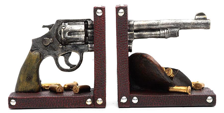 Набор держателей для книг Miolla Револьвер, 2 штC2514123RНабор держателей для книг Miolla Револьвер, выполненный из полирезина, станет отличным подарком и необычным украшением интерьера. Оригинальный дизайн выделяет эти держатели из множества других. Расположив такой необычный предмет на своем рабочем столе или на полке с книгами, обладатель данного аксессуара непременно подчеркнет свое стремление оставаться модным и стильным в каждой детали. Сочетание оригинального дизайна и хорошего качества позволит представить такой подарок в самом выигрышном свете. Размеры одной части: 13 см х 9 см х 13,5 см.