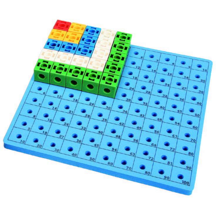 Gigo Конструктор Cube activity board (Гиго. Доска для набора «Занимательные кубики»)1163Конструктор Gigo Cube activity board (Гиго. Доска для набора Занимательные кубики) - это специальная доска, которая используется для создания разнообразных предметов и учит ребенка простым математическим операциям: умножению, сложению, вычитанию; развивает у детей фантазию, мелкую моторику рук, воображение и логику.