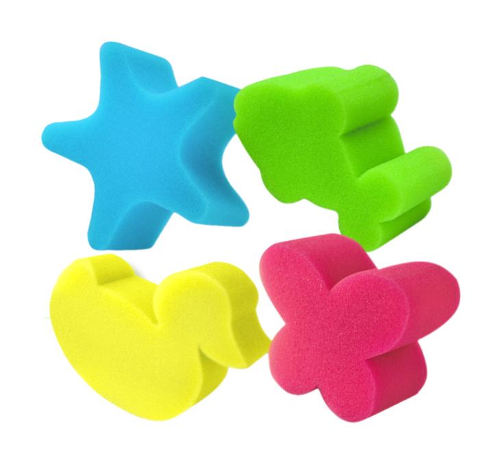 Набор детских губок York, фигурных, 4 шт1013Фигурные губки для тела York изготовлены из мягкого поролона. Изделия подходят для нежной и чувствительной кожи детей. Идеально очищают и массируют кожу во время мытья, улучшая кровообращение и повышая тонус. Пористая структура губки создает воздушную пену даже при небольшом количестве геля для душа. Средний размер губки: 10 х 9,5 х 4,5 см.