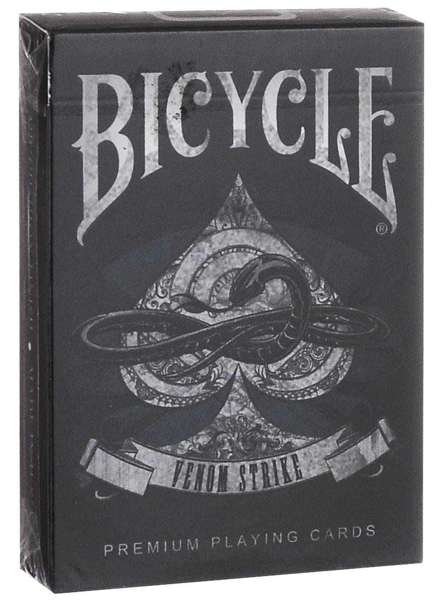 Карты игральные коллекционные Bicycle Venom Strike, цвет: черный, белыйК-270Коллекционные игральные карты Bicycle Venom Strike изготовлены из высококачественного картона. Они имеют обычный индекс и стандартный размер. Великолепная, но смертельная. На первый взгляд дизайн рубашки выглядит классическим красным, но у него есть и темная сторона. Невероятные кричащие черепа и большие змеи - фантастически прекрасные и ужасные карты одновременно. Они несомненно восхитят ценителя и заворожат зрителей. Эта колода займет достойное место в вашей коллекции. Подходит для игры в покер и различных фокусов.