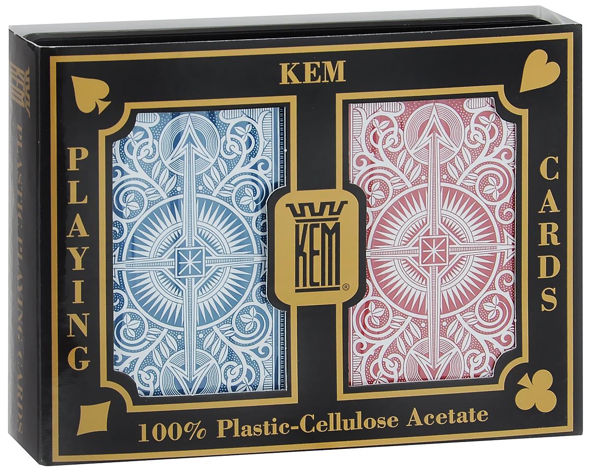 Карты игральные Kem Arrow Narrow, стандартный индекс, цвет: красный, синий, белый, 2 колодыК-496Вашему вниманию представляются коллекционные карты Kem Arrow Narrow - одни из лучших покерных карт на рынке. Они выполнены из прочного, гладкого и гибкого пластика. Карты имеют покерный размер и стандартный индекс.