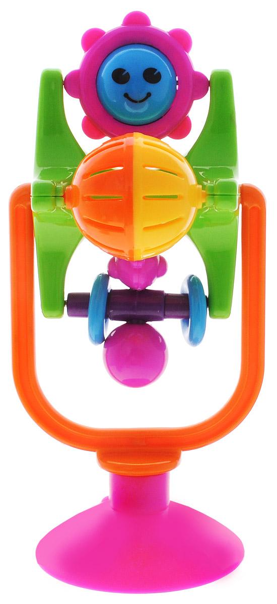 Maman Развивающая игрушка Карусель1024_салатовый, оранжевыйРазвивающая игрушка Maman Карусель непременно понравится вашему малышу и надолго займет его внимание. Погремушка изготовлена из безопасного пластика ярких цветов и состоит из нескольких поворачивающихся элементов, представляющих собой двуцветный шарик-погремушку, фигурку человечка, солнышко и безопасное зеркальце. С помощью присоски игрушку можно закрепить на любой гладкой поверхности. Развивающая игрушка Maman Карусель поможет малышу в развитии цветового и звукового восприятия, мелкой моторики рук и координации движений.