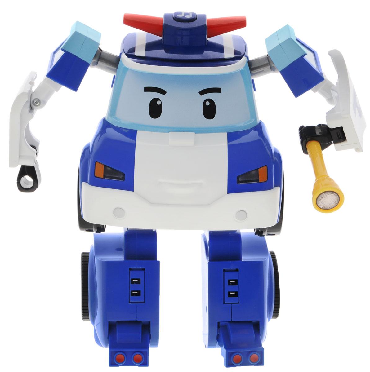 Robocar Poli Робот-трансформер на радиоуправлении Поли83185Робот-трансормер на радиоуправлении Поли непременно понравится вашему ребенку. Он выполнен в виде полицейской машинки-робота Поли - персонажа мультфильма Robocar Poli. У робота подвижные руки и ноги. В комплект с ним входят: фонарик, полицейская дубинка, бензопила и дрель. Поли может трансформироваться в машинку. В форме машинки он может управляться с пульта. Поли-машинка при помощи пульта управления может двигаться вперед, назад, поворачивать влево и вправо, включать передние фары, звук сирены и мелодии. Робот-машинка Поли непременно наведет порядок в городке Брумстаун. Порадуйте своего малыша таким замечательным подарком! Необходимо докупить 7 батареек напряжением 1,5V типа ААА (не входят в комплект).