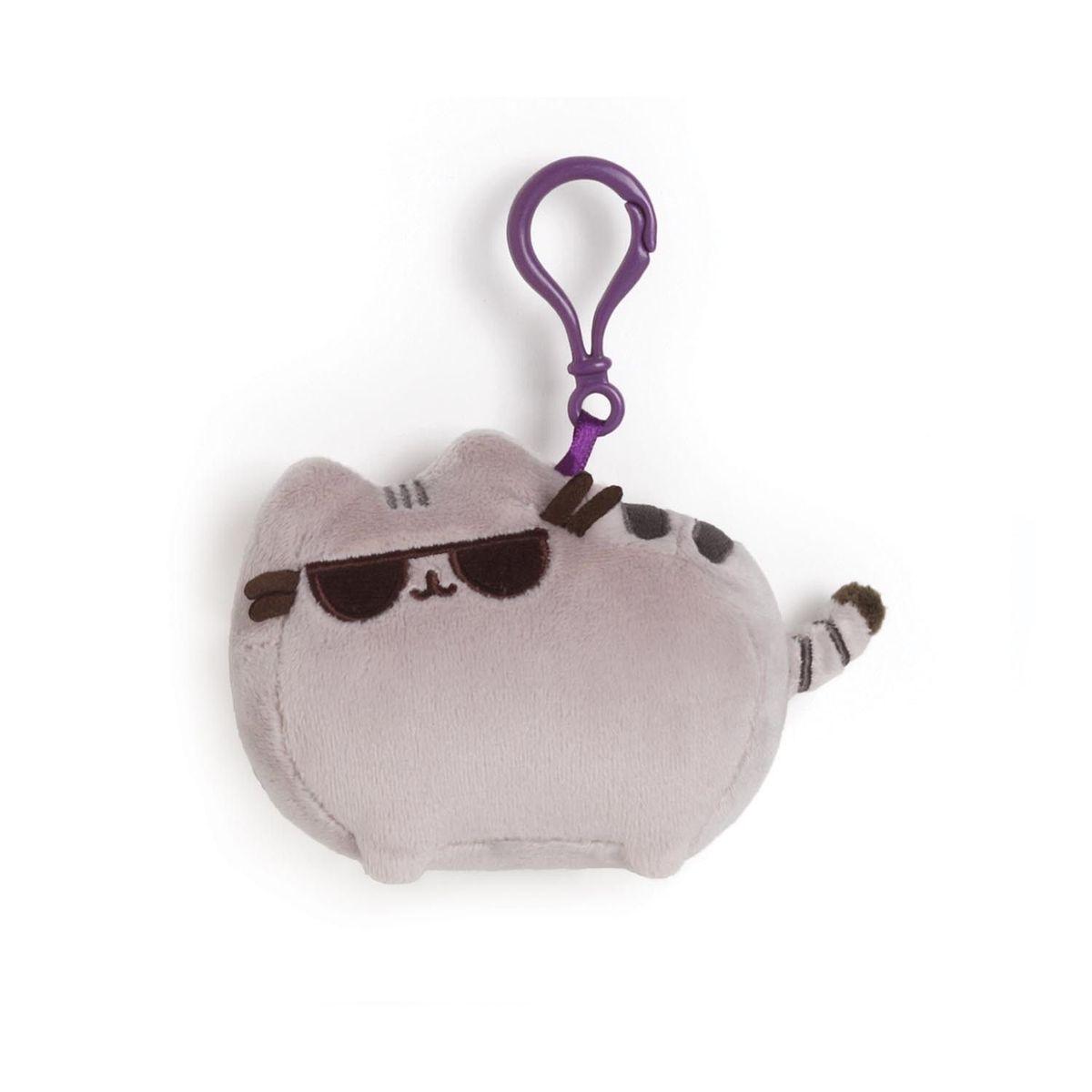 Gund Игрушка мягкая Pusheen Backpack Clip Sunglasses, 9 см4048887Милые, мягкие и безопасные, игрушки фирмы Gund отличаются реалистичным внешним видом, напоминающим настоящего питомца. Только посмотрите на эту милую мордашку, которая так приветливо смотрит на вас. Разве можно устоять перед её обаянием? Конечно нет, да и не нужно! Такая игрушка вызывает умиление не только у детей , но и у взрослых. Поэтому она станет отличным подарком не только ребёнку, но и друзьям!