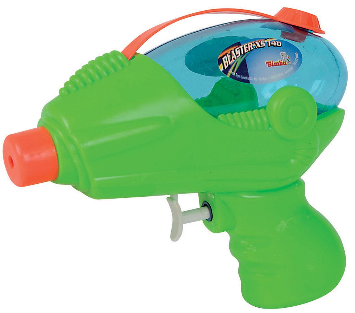 Simba Водный пистолет Blaster XS 140 цвет салатовый7278065_салатовыйВодный пистолет Simba Blaster XS 140 станет отличным развлечением для детей в жаркую летнюю погоду. Пистолет выделяется ярким дизайном и компактными формами. Игрушкой очень удобно пользоваться благодаря эргономичной рукоятке. Также большим плюсом является наличие вместительного резервуара для воды, который закрывается сверху на корпусе крышечкой. Заполните резервуар водой и начинайте стрелять! При нажатии на курок пистолет выстреливает струей воды. Такая игрушка не только порадует малыша, но и поможет ему совершенствовать мелкую и крупную моторику, а также координацию движений. С водным пистолетом ваш малыш сможет устроить настоящее водное сражение!