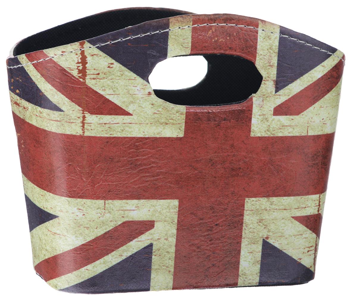 Сумка для хранения El Casa Британский флаг, 20 х 11 х 16 см171168Интерьерная сумка El Casa Британский флаг, выполненная из МДФ и текстиля, понравится всем ценителям оригинальных вещей. Благодаря прекрасному дизайну и необычной форме, такая сумка будет отлично смотреться в вашей гостиной или коридоре. В ней можно хранить всевозможные мелочи: расчески, заколки, журналы или газеты. Сумка El Casa Британский флаг станет отличным подарком для ваших друзей и близких.