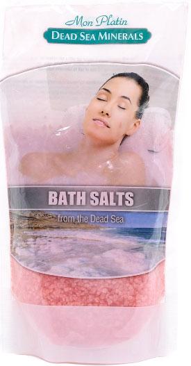 Mon Platin DSM Натуральная Соль Мёртвого моря с ароматическими маслами (красная) 500 г.DSM85Натуральная соль Мертвого моря с ароматическими маслами содержит единственный в мире минеральный состав, который благоприятно влияет как на кожу, так и на состояние организма в целом. Практически все элементы таблицы Менделеева представлены в составе соли Мертвого моря. Высокая концентрация магния, калия, кальция, брома, йода оказывают общеукрепляющее действие. Способствует регенерации кожи, делает её более упругой и улучшает тургор, улучшает кровообращение, укрепляет стенки сосудов, заживляет раны, активно участвует в обменных процессах. Натуральные масла розы, жасмина, лемонграсса и сосны, входящие в состав соли, смягчают, увлажняют, тонизируют и питают кожу, снимают усталость и стресс.