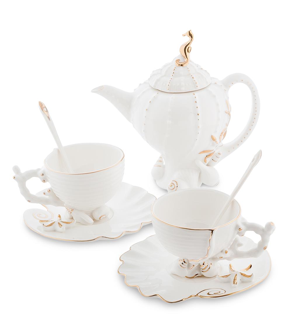 Чайный набор Pavone Морская ракушка, на 2 персоны10957Чайный набор Pavone Морская ракушка изготовлен из высококачественного фарфора. Набор состоит из 2 чашек, 2 блюдец, 2 чайных ложек и заварочного чайника. Изделия имеют необычный дизайн, который придется по вкусу ценителям классики и тем, кто предпочитает современный стиль. Изящный набор эффектно украсит стол к чаепитию и порадует вас функциональностью и ярким дизайном.