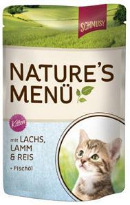 Консервы для котят Шмуси лосось с ягненком70019Шмуси натура - это полноценная еда для кошек и котов с множеством натуральных ингредиентов. Корм Шмуси богат содержанием отборного мяса, потому что кошки - это настоящие хищники и нуждаются в пище, богатой белками. В этих пакетикахх маленькие кусочки мяса залиты деликатным соусом. Кроме отборного мяса в корм добавлен лососёвый жир, богатый жирными кислотами Омега-3, которые необходимы для правильного развития здорового котёнка. Также добавлен таурин для правильного развития скелета и нервной системы кошек. Состав: Отборное мясо, ягнёнок, лосось, лёгкие, печень, мясные субпродукты, рис, лососёвый жир, минеральные вещества. Условия хранения: комнатная температура в закрытом виде, после вскрытия до 2 дней в холодильнике. Особенности: Натуральные компоненты; Без сои, красителей, ароматизаторов, костной муки; Без консервантов