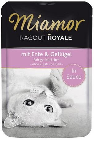 Консервы для кошек Миамор Утка с птицей74072Миамор королевское рагу - это нежные кусочки, приготовленные в деликатесном соусе. Производятся по особой щадящей технологии для сохранения витаминов с высокой долей мяса домашних животных. Миамор - это полноценный повседневный корм для кошек и котов, который очень легко усваивается. Не содержит сои, красителей и ароматизаторов, за то содержит множество полезных веществ, например магний, который необходим для здоровья кошек. Условия хранения: комнатная температура в закрытом виде, после вскрытия до 2 дней в холодильнике. Особенности: Натуральные компоненты; Без сои, красителей, ароматизаторов, костной муки; Без консервантов
