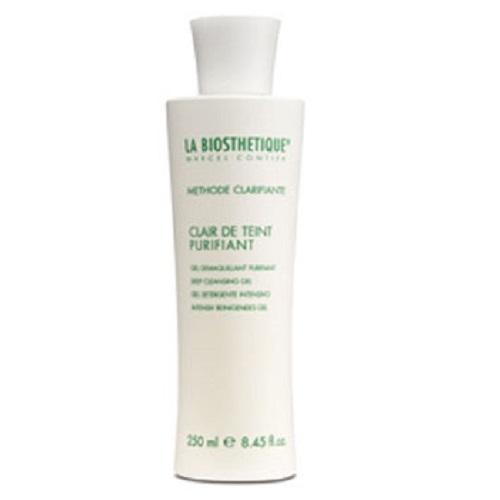 La Biosthetique Освежающий очищающий гель Methode Clarifiante, 250 млLB3758Гель комплексно ухаживает за проблемной кожей: мягко снимает макияж, загрязнения и удаляет лишний жир, не пересушивая и не раздражая кожу. Основным компонентом средства является Молочная кислота, которая улучшает процессы регенерации и обновления кожи, отшелушивает омертвевшие клетки, очищает и сужает поры, предупреждает возникновение акне и рубцов, нормализует работу сальных желез и регулирует ее РН. В состав геля, так же, входит Глицерин, обладающий хорошей способностью вытягивать влагу из воздуха, и тем самым насыщать ею кожу. В результате, она хорошо смягчается, матируется, становится гладкой и эластичной, пропадают угри и красные пятна, цвет лица становится свежим и здоровым.