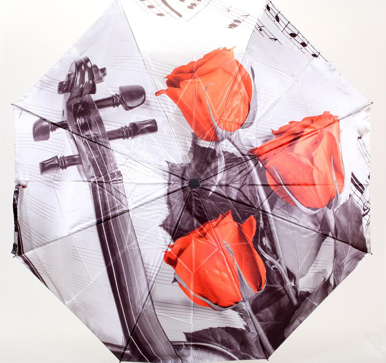 Зонт женский Flioraj Розы и скрипка, автомат, 3 сложения. 013-048FJ013-048FJСтильный автоматический зонт Flioraj Розы и скрипка в 3 сложения даже в ненастную погоду позволит вам оставаться стильной и элегантной. Каркас зонта из анодированной стали состоит из восьми карбоновых спиц, оснащен удобной прорезиненной рукояткой. Зонт имеет полный автоматический механизм сложения: купол открывается и закрывается нажатием кнопки на рукоятке, стержень складывается вручную до характерного щелчка, благодаря чему открыть и закрыть зонт можно одной рукой, что чрезвычайно удобно при входе в транспорт или помещение. Купол зонта выполнен из прочного сатина черного цвета и оформлен изображением красных роз и скрипки. На рукоятке для удобства есть небольшой шнурок-резинка, позволяющий надеть зонт на руку тогда, когда это будет необходимо. К зонту прилагается чехол.