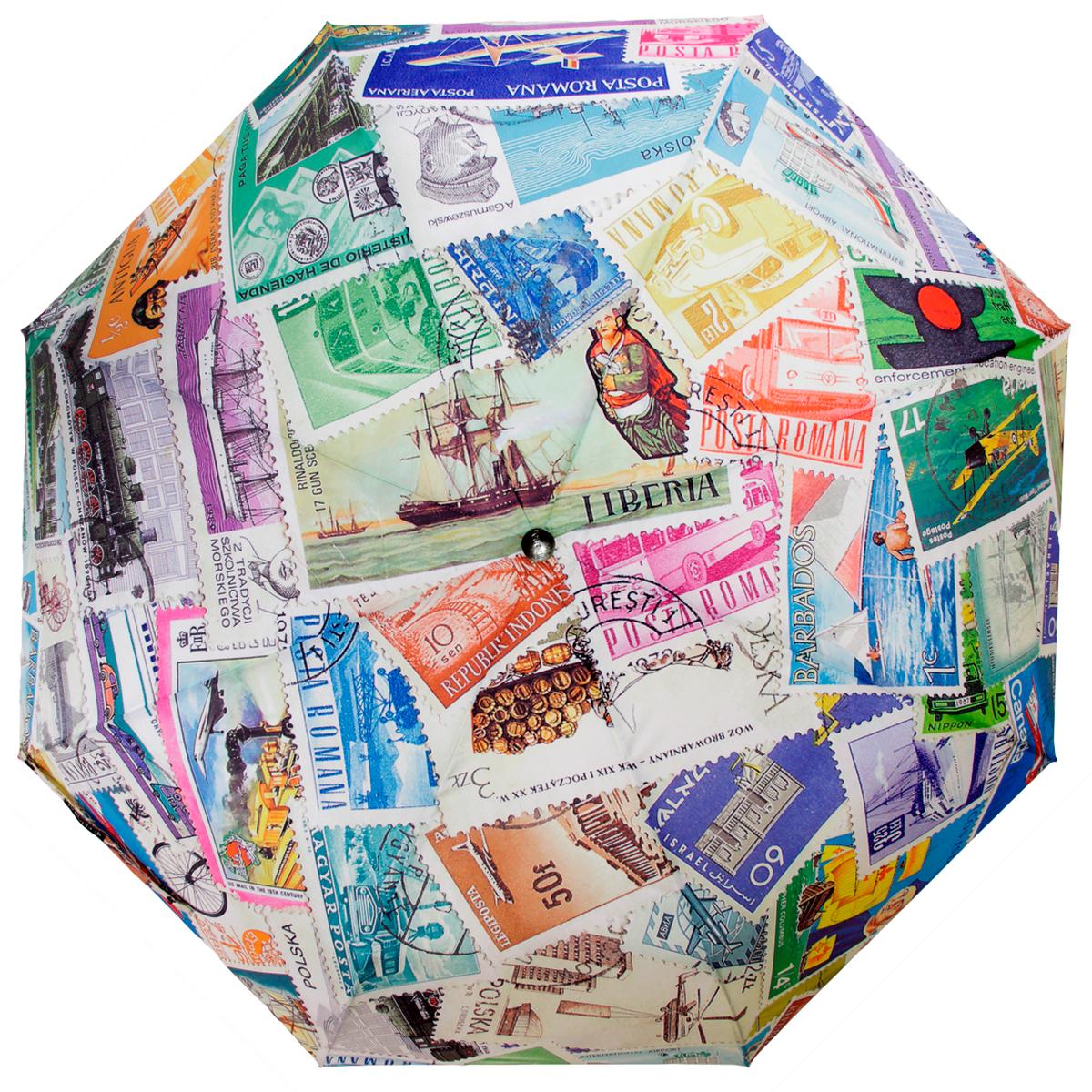 Зонт женский Flioraj Почтовые марки, автомат, 3 сложения, белый, зеленый, розовый014-46 FJСтильный автоматический зонт Flioraj Почтовые марки в 3 сложения даже в ненастную погоду позволит вам оставаться стильной и элегантной. Каркас зонта из анодированной стали состоит из восьми карбоновых спиц, оснащен удобной прорезиненной рукояткой. Карбоновые спицы помогут выдержать натиск ураганного ветра. Зонт снабжен системой антиветер. Зонт имеет полный автоматический механизм сложения: купол открывается и закрывается нажатием кнопки на рукоятке, стержень складывается вручную до характерного щелчка, благодаря чему открыть и закрыть зонт можно одной рукой, что чрезвычайно удобно при входе в транспорт или помещение. Купол зонта выполнен из прочного полиэстера и оформлен оригинальным изображением почтовых марок разных стран. Закрытый купол фиксируется хлястиком на кнопке. На рукоятке для удобства есть небольшая эластичная петля, позволяющая надеть зонт на руку тогда, когда это будет необходимо. К зонту прилагается чехол.