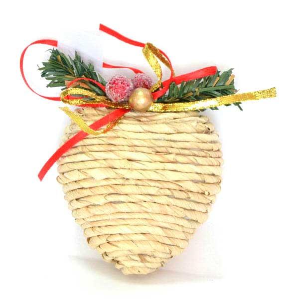 Украшение елочное подвесное Winter Wings СердцеN180416Новогоднее украшение Winter Wings Сердце отлично подойдет для декорации вашего дома и новогодней ели. Украшение выполнено из полимера и соломы в виде сердца. С помощью специальной петельки украшение можно повесить в любом понравившемся вам месте. Елочная игрушка - символ Нового года. Она несет в себе волшебство и красоту праздника. Создайте в своем доме атмосферу веселья и радости, украшая всей семьей новогоднюю елку нарядными игрушками, которые будут из года в год накапливать теплоту воспоминаний.