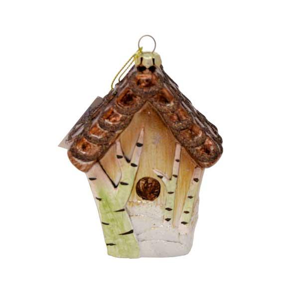 Новогоднее подвесное украшение Winter Wings СкворечникN181566Подвесное украшение Winter Wings Скворечник станет отличным новогодним украшением на елку. Изделие выполнено из пластика в виде скворечника и декорировано сверкающими блестками. Подвешивается на елку с помощью текстильной петельки. Ваша зеленая красавица с таким украшением будет выглядеть стильно и волшебно. Создайте в своем доме по-настоящему сказочную атмосферу.