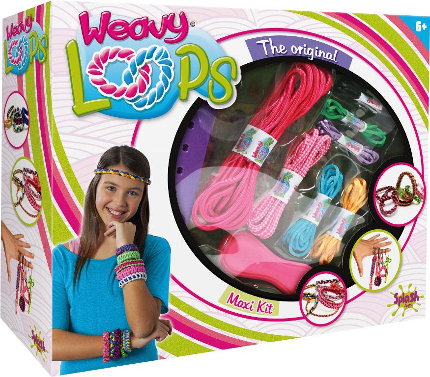 Splash Toys Набор для плетения 4 в 130493RUSКартонная коробка с окошком из прозрачного пластика. Набор содержит несколько моточков шнурков, станок для плетения, зажим и различные пластиковые и металлические аксессуары. Юная модница может создать своими руками 4 вида украшений -ободок для волос на резинке, ободок для волос на прочном каркасе(в комплект каркас не входит), браслет на руку, брелок .