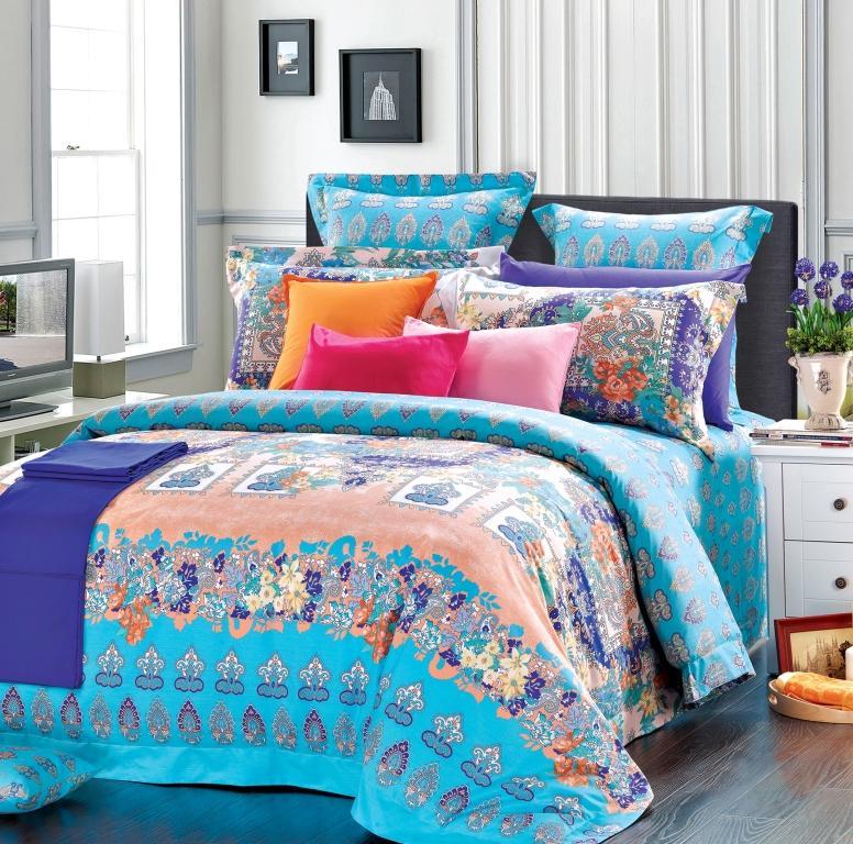 Комплект белья Диана La Vanille, дуэт, наволочки 70х70, цвет: оранжевый, фиолетовый, голубой. С-657-143-240-70С-657-143-240-70Комплект постельного белья Диана La Vanille состоит из двух пододеяльников, простыни и двух наволочек. Постельное белье оформлено оригинальным узором и имеет изысканный внешний вид. Белье изготовлено бязи (100% хлопка). Бязь - это ткань из экологически чистого и натурального 100% хлопка. Неоспоримым плюсом белья из такой ткани является мягкость и легкость, она прекрасно пропускает воздух, приятна на ощупь, не образует катышков на поверхности и за ней легко ухаживать. При соблюдении рекомендаций по уходу, это белье выдерживает много стирок, не линяет и не теряет свою первоначальную прочность. Уникальная ткань обеспечивает легкую глажку. Приобретая комплект постельного белья Диана La Vanille, вы можете быть уверенны в том, что покупка доставит вам и вашим близким удовольствие и подарит максимальный комфорт.