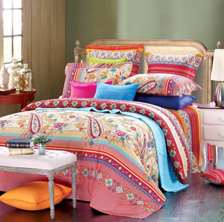 Комплект белья Диана La Vanille, 1,5-спальный, наволочки 70х70, цвет: красный, розовый, голубой. С-658-143-150-70С-658-143-150-70Комплект постельного белья Диана La Vanille состоит из пододеяльника, простыни и двух наволочек. Белье бесшовное, оформлено оригинальным узором и имеет изысканный внешний вид. Изготовлено из бязи люкс (100% хлопка). Бязь - это ткань из экологически чистого и натурального 100% хлопка. Неоспоримым плюсом белья из такой ткани является мягкость и легкость, она прекрасно пропускает воздух, приятна на ощупь, не образует катышков на поверхности и за ней легко ухаживать. При соблюдении рекомендаций по уходу это белье выдерживает много стирок, не линяет и не теряет свою первоначальную прочность. Уникальная ткань обеспечивает легкую глажку. Приобретая комплект постельного белья Диана La Vanille, вы можете быть уверенны в том, что покупка доставит вам и вашим близким удовольствие и подарит максимальный комфорт.