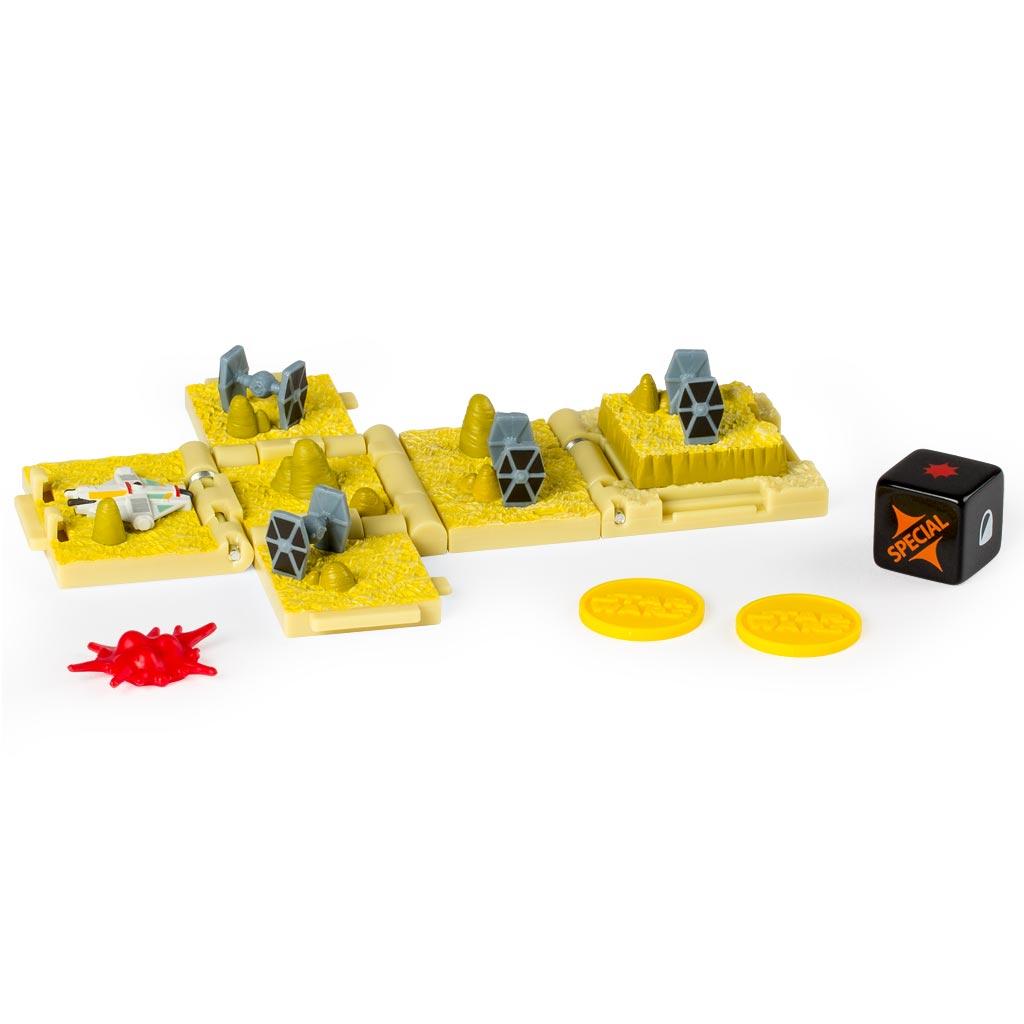 Spin Master Боевой кубик Звездные войны Rebels TIE Fighter Attack52102_20071526Боевой кубик Spin Master Звездные войны: Rebels TIE Fighter Attack - это новый уникальный продукт, который придётся по душе любому фанату саги Звёздные войны. Игрушка представляет собой боевой кубик-трансформер. В сложенном состоянии это компактный кубик высотой 4 сантиметра, но стоит его раскрыть и у вас на столе окажется поле для стратегической игры в антураже любимой вселенной. Внутри раскладывающегося кубика - сцены из мира Звездных войн. Такой кубик станет великолепным подарком для любого поклонника настольных игр! В набор входит 1 кубик, который позволит воспроизвести нападение истребителей TIE, игральный кубик, 3 фишки-маркера и карта для игры.