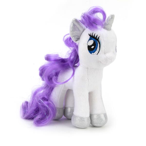 Мульти-Пульти Мягкая игрушка Пони рарити My little ponyV27481/18Мягкая игрушка, изображающая Пони из мультфильма Моя Маленькая Пони, станет незаменимым другом малыша. Ребенок с ним никогда не соскучится, потому что Пони умеет произносить веселые фразы и петь песенки. Игрушка сделана из мягкого и приятного на ощупь материала с наполнителем из синтепона в голубых тонах с разноцветной гривой.