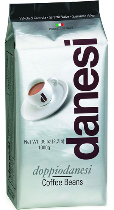 Danesi Doppio кофе в зернах, 1 кгCDNSB0-P00026Смесь из 100% арабики для настоящих знатоков. Результат тщательного купажа зерен Кении, Эфиопии, Бразилии и Центральной Америки. Соответствует всем стандартам итальянского эспрессо: умеренно темная обжарка, мягкий вкус с шоколадно-кремовым оттенком, отсутствие кислинки, великолепное послевкусие, как после бокала хорошего бордо. Страна: Кения, Эфиопия, Бразилия. Кофе Danesi – это элитный итальянский эспрессо, появившийся более ста лет назад. История кофе Danesi началась в Риме в 1905 году, когда итальянец Альфредо Данези открыл свой первый магазин и уютную кофейню «Nencini e Danesi». Альфредо сам составлял эксклюзивные кофейные смеси и варил эспрессо для своих гостей. За годы своего существования этот кофе завоевал огромную популярность не только в Италии, но и далеко за ее пределами, более чем в 60 странах мира. Философия компании очень проста – Ежедневно прилагать массу усилий для достижения и сохранения высокого уровня удовлетворённости клиенто. А воплощается...