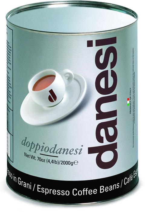 Danesi Doppio кофе в зернах, 2 кгCDNSB0-P00027Смесь из 100% арабики для настоящих знатоков. Результат тщательного купажа зерен Кении, Эфиопии, Бразилии и Центральной Америки. Соответствует всем стандартам итальянского эспрессо: умеренно темная обжарка, мягкий вкус с шоколадно-кремовым оттенком, отсутствие кислинки, великолепное послевкусие, как после бокала хорошего бордо. Страна: Кения, Эфиопия, Бразилия. Кофе Danesi – это элитный итальянский эспрессо, появившийся более ста лет назад. История кофе Danesi началась в Риме в 1905 году, когда итальянец Альфредо Данези открыл свой первый магазин и уютную кофейню «Nencini e Danesi». Альфредо сам составлял эксклюзивные кофейные смеси и варил эспрессо для своих гостей. За годы своего существования этот кофе завоевал огромную популярность не только в Италии, но и далеко за ее пределами, более чем в 60 странах мира. Философия компании очень проста – «Ежедневно прилагать массу усилий для достижения и сохранения высокого уровня удовлетворённости клиентов». А...