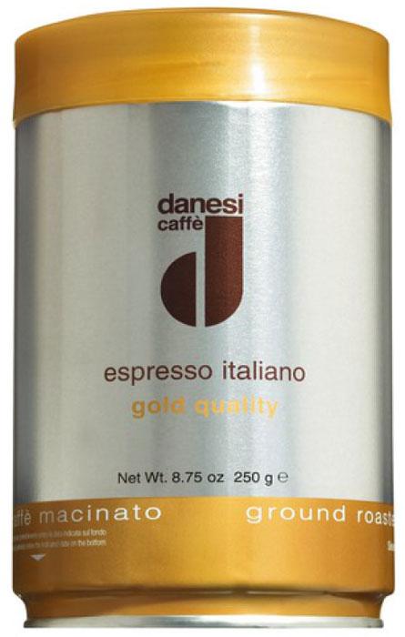 Danesi Gold кофе в зернах, 250 гCDNSB0-P00033Смесь зерен 100% арабики из Бразилии и Центральной Америки. Мягкий вкус кофе дополняют зерна из Кении, придающие этому сорту неповторимый насыщенный аромат и долгое послевкусие. Данези Голд — это самая популярная кофейная смесь Данези, менее сложная в приготовлении, чем Данези Доппио. Страна: Кения, Бразилия, Колумбия. Кофе Danesi – это элитный итальянский эспрессо, появившийся более ста лет назад. История кофе Danesi началась в Риме в 1905 году, когда итальянец Альфредо Данези открыл свой первый магазин и уютную кофейню «Nencini e Danesi». Альфредо сам составлял эксклюзивные кофейные смеси и варил эспрессо для своих гостей. За годы своего существования этот кофе завоевал огромную популярность не только в Италии, но и далеко за ее пределами, более чем в 60 странах мира. Философия компании очень проста – Ежедневно прилагать массу усилий для достижения и сохранения высокого уровня удовлетворённости клиентов. А воплощается это утверждение...