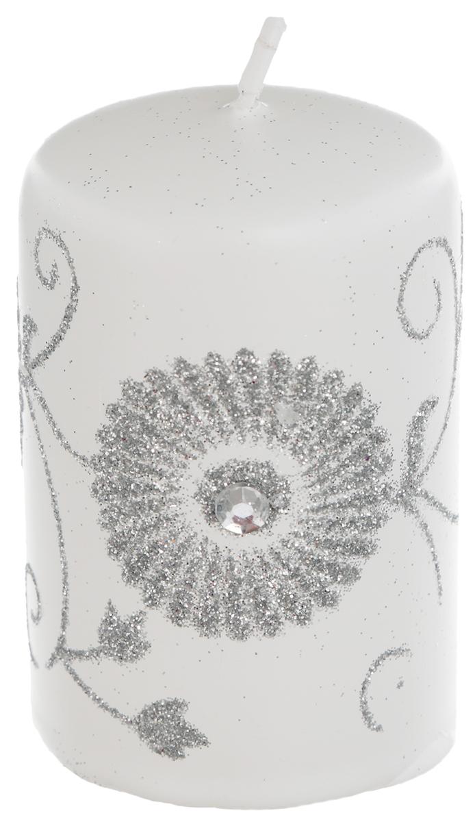 Свеча Winter Wings Зимний цветок, цвет: белый, серебристый, высота 8 смN162409Свеча Winter Wings Зимний цветок, изготовленная из парафина, станет прекрасным украшением интерьера помещения в преддверии Нового года. Такая свеча создаст атмосферу таинственности и загадочности и наполнит ваш дом волшебством и ощущением праздника. Хороший сувенир для друзей и близких.