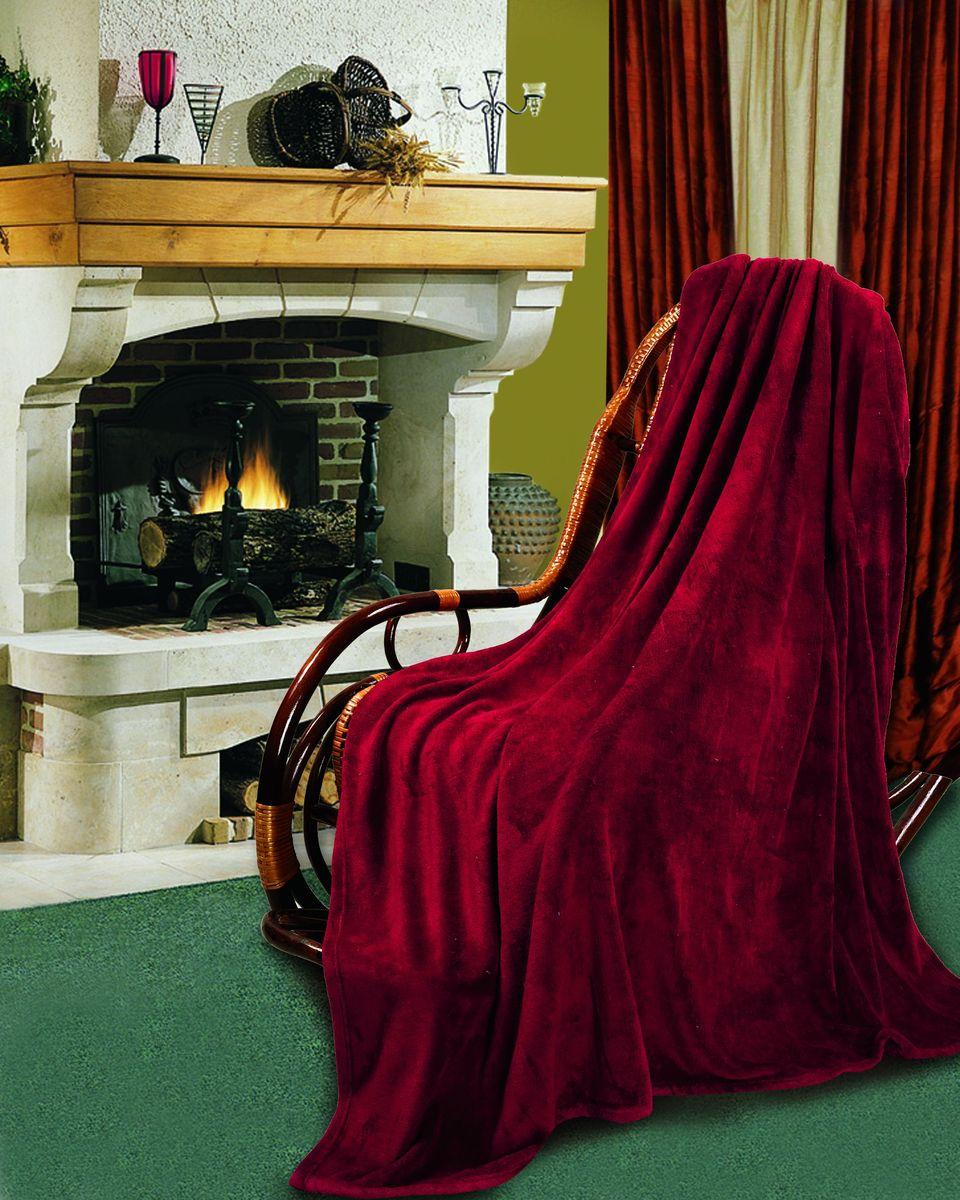 Покрывало флисовое Диана, цвет: бордо, 150 х 200 смПФКР-150-200Изящное покрывало Диана, выполненное из корал флиса (100% полиэстер), гармонично впишется в интерьер вашего дома и создаст атмосферу уюта и комфорта. Корал флис имеет фактуру велюра, ткань приятная на ощупь, мягкая и слегка пушистая, но при этом очень легкая, хорошо сохраняет тепло, устойчива к стирке и износу. Благодаря мягкой и приятной текстуре, глубоким и насыщенным цветам, такое покрывало станет модной, практичной и уютной деталью вашего интерьера. Покрывало согреет в прохладную погоду и будет превосходно дополнять интерьер вашей спальни. Высочайшее качество материала гарантирует безопасность не только взрослых, но и самых маленьких членов семьи. Покрывало может подчеркнуть любой стиль интерьера, задать ему нужный тон - от игривого до ностальгического. Покрывало - это такой подарок, который будет всегда актуален, особенно для ваших родных и близких, ведь вы дарите им частичку своего тепла!