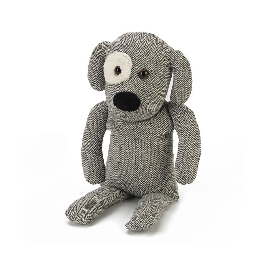 Warmies Игрушка-грелка Собачка ЧарлиCOZ-DOG-2Положите игрушку на 1-2 минуты в микроволновую печь, и она будет греть вас на протяжении 3-4 часов. Игрушки полностью безопасны - состоят из натурального наполнителя: зерен проса и сушеной лаванды. Просо удерживает тепло долгое время, а лаванда обладает успокаивающим, расслабляющим эффектом, помогает заснуть. Лечебные свойства лаванды помогают при простудных заболеваниях. Не стирать - специальный шелковый мех легко очищается влажной тряпкой.
