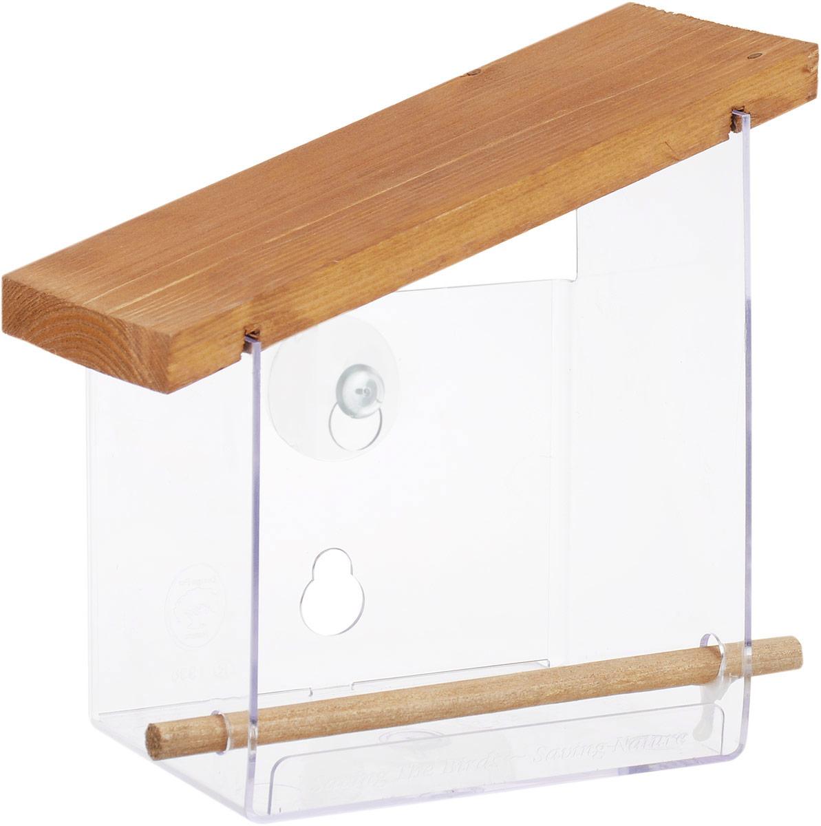 Кормушка для птиц Gardman, 15,5 х 9 х 17,5 смA01034Кормушка для птиц Gardman изготовлена из прочного пластика и дерево. Изделие оснащено деревянной крышкой, защищающей корм от дождя и снега. Кормушка крепится к окну при помощи присосок (входят в комплект). Прикрепите кормушку к окну, и вы сможете увидеть птиц поближе.