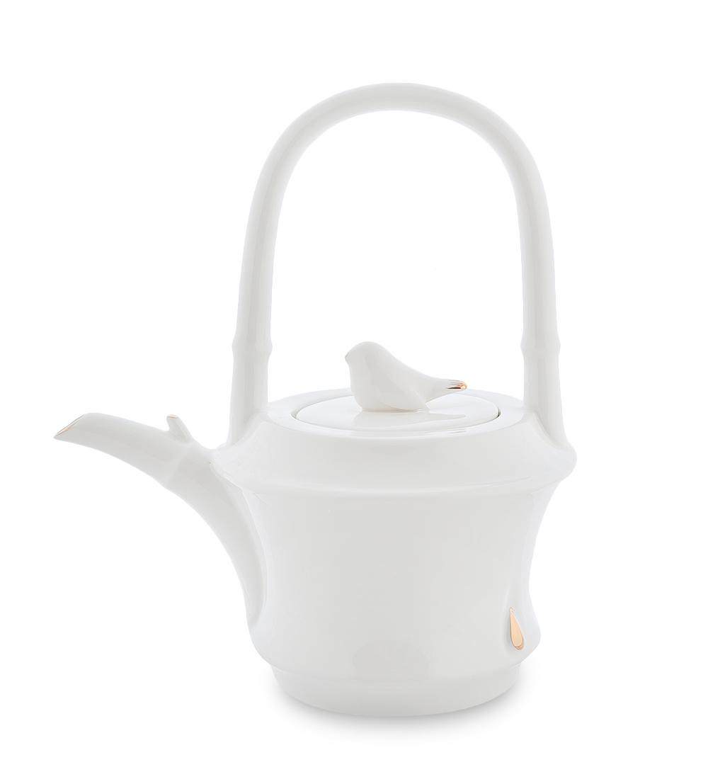 Чайник заварочный Pavone Бамбук, цвет: белый, золотой, 700 мл104875Чайник заварочный Pavone Бамбук изготовлен из высококачественной фарфора. Носик изделия украшен золотистой окантовкой, а крышка декорирована фигуркой голубя. Чайник оснащен высокой не складывающейся ручкой. Такой чайник прекрасно дополнит сервировку стола к чаепитию и станет его неизменным атрибутом. Изделие упаковано в подарочную коробку с атласной подложкой. Объем: 700 мл. Диаметр (по верхнему краю): 6,5 см. Высота стенки (без учета крышки): 10 см.