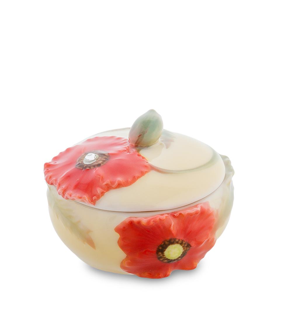 Шкатулка Pavone Маки, диаметр 5,5 см103820 (FM-07/9)Шкатулка Pavone Маки выполнена из фарфора и декорирована яркими изображениями маков. Изделие идеально подойдет для хранения дорогих сердцу мелочей. Изделие упаковано в подарочную коробку с атласной подложкой. Размеры (без учета крышки): 6,5 см х 6,5 см х 2,5 см.