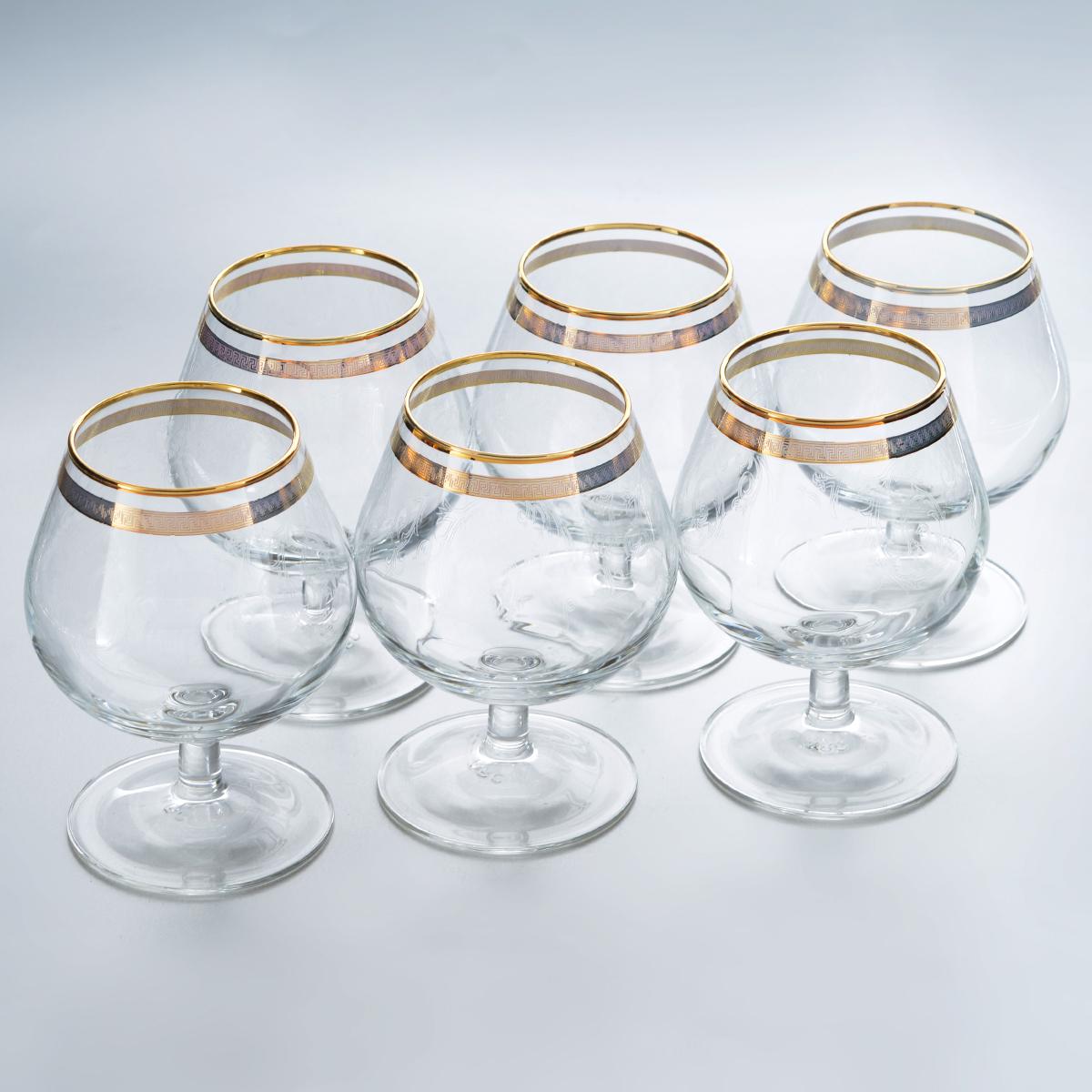 Набор бокалов для бренди Гусь-Хрустальный Каскад, 250 мл, 6 штTL40-1740Набор Гусь-Хрустальный Каскад состоит из 6 бокалов на низкой тонкой ножке, изготовленных из высококачественного натрий-кальций-силикатного стекла. Изделия оформлены красивым зеркальным покрытием, окантовкой с оригинальным узором и прозрачным орнаментом. Бокалы предназначены для подачи бренди. Такой набор прекрасно дополнит праздничный стол и станет желанным подарком в любом доме. Разрешается мыть в посудомоечной машине. Диаметр бокала (по верхнему краю): 5,5 см. Высота бокала: 11 см. Диаметр основания бокала: 6,5 см.