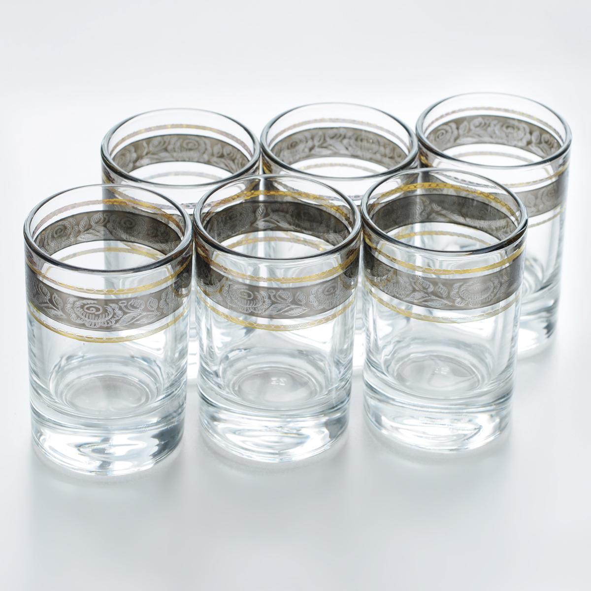 Набор стопок Гусь-Хрустальный Первоцвет, 60 мл, 6 штTL66-837Набор Гусь-Хрустальный Первоцвет состоит из 6 стопок, изготовленных из высококачественного натрий-кальций-силикатного стекла. Изделия оформлены красивым зеркальным покрытием и оригинальной окантовкой с цветочным узором. Такой набор прекрасно дополнит праздничный стол и станет желанным подарком в любом доме. Разрешается мыть в посудомоечной машине. Диаметр стопки (по верхнему краю): 4,5 см. Высота стопки: 6,6 см.