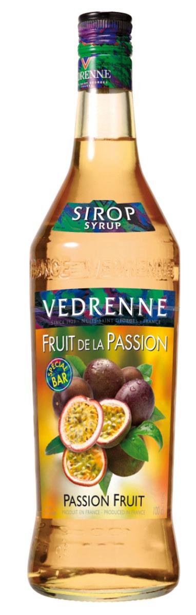 Vedrenne Маракуя сироп, 1 лSVDRFP-010B01Сироп Маракуйя входит в число весьма своеобразных, экзотических добавок для различных напитков и десертов. Восхитительный аромат тропического фрукта делает данный сироп оригинальным и неповторимым. Сироп из маракуйи отличается ярким оранжево-желтым цветом, изящным ароматом и свежим вкусом спелых тропических фруктов. Если за окном серые будни, а в жизни так не хватает ярких красок, то сироп Маракуйя - это то, что вам сейчас необходимо! Всего пара чайных ложек этого лакомства - и ваш любимый напиток превратится в сказочный коктейль, а вы перенесетесь на песчаный пляж, под тень пальмового дерева. Маракуйя также известна как фрукт страсти. Данное название особенно удачно передает представление о чувственном и в то же время легком аромате этого плода. Сироп Маракуйя можно найти в ассортименте многих современных производителей. Качественные сиропы изготавливаются на основе очищенной воды с добавлением натурального сока маракуйи или фруктового пюре, без усилителей вкуса и...