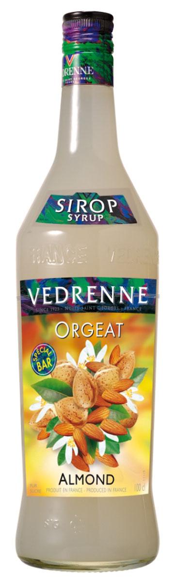 Vedrenne Миндаль сироп, 1 лSVDROR-010B01Сироп Миндаль - это великолепный сладкий напиток и достойное дополнение к кофе! Сиропы изготавливаются на основе натурального растительного сырья, фруктовых и ягодных соков прямого отжима, цитрусовых настоев, а также с использованием очищенной воды без вредных примесей, что позволяет выдержать все ценные и полезные свойства натуральных фруктово-ягодных плодов и трав. В состав сиропов входит только натуральный сахар, произведенный по традиционной технологии из сахарозы. Благодаря высокому содержанию концентрированного фруктового сока, сиропы Vedrenne обладают изысканным ароматом и натуральным вкусом, являются эффективным подсластителем при незначительной калорийности. Они оптимизируют уровень влажности и процесс кристаллизации десертов, хорошо смешиваются с другими ингредиентами и способствуют улучшению вкусовых качеств напитков и десертов. Сиропы Vedrenne разливаются в стеклянные бутылки с яркими этикетками, на которых изображен фрукт, ягода...
