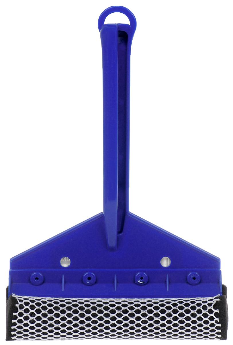 Щетка для мытья стекол Sapfire, с водосгоном, цвет: синий, 24 см0924-SF_синийЩетка Sapfire предназначена для мытья стекол. Рукоятка выполнена из морозостойкого пластика. Щетка выполнена из высокоупорного поролона с защитной сеткой для бережной мойки, не повреждая лакокрасочного покрытия автомобиля. Для наиболее удобной работы оснащен резиновым водосгоном. Удобная рукоятка выполнена из пластика снабжена отверстием на конце, благодаря которому щетку можно подвесить в удобном для вас месте. Оригинальная, современная и удобная щетка для мытья стекол Sapfire сделает уборку эффективнее и приятнее. Длина рабочей поверхности щетки: 16 см. Длина рукоятки: 18,5 см.