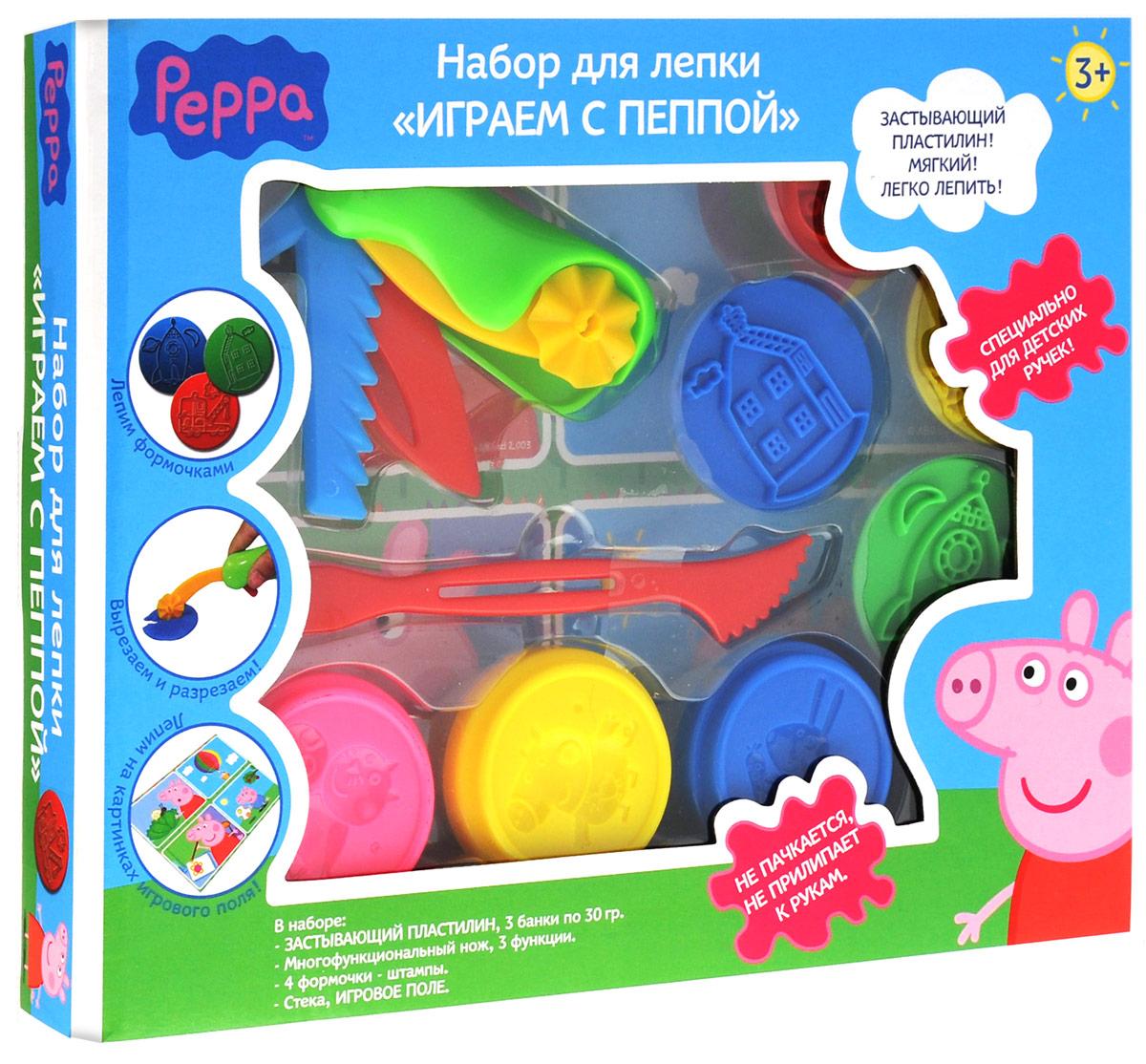 Peppa Pig Набор для лепки Играем с Пеппой28552Набор для лепки Peppa Pig Играем с Пеппой поможет окунуться в мир увлекательных пластилиновых приключений! В наборе 10 предметов: 3 баночки застывающего пластилина по 30 г с крышками в виде формочек героев мультфильма, раскладной пластиковый нож - 3 функции, 4 формочки-штампика, игровое поле, стек. Штампиками печатаем забавные фигурки, складным ножиком разрезаем пластилиновые блинчики и получаем фигурные полосочки и кружочки. По инструкции лепим разноцветные кружочки. А теперь переходим к игровому полю и выполняем увлекательные задания по лепке. Смешиваем цвета и получаем новые оттенки. Фантазируем, воплощаем в жизнь свежие идеи, тренируем пальчики, развиваем воображение и просто весело играем с любимыми героями. Мягкий застывающий пластилин создан специально для детских пальчиков: он пластичен, не пачкается, не прилипает к рукам. На коробочке имеется инструкция по лепке. Цвета пластилина: синий, желтый, розовый.
