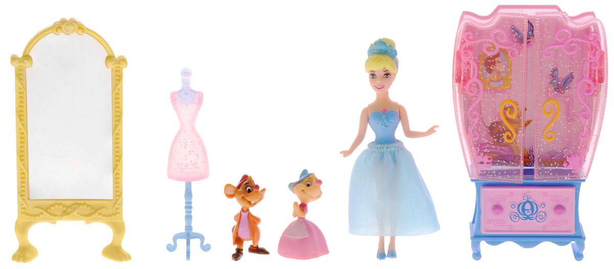Disney Princess Игровой набор ЗолушкаCJP36(CJP37/CJP38)_ЗолушкаИгровой набор Золушка Кукла Принцесса Диснея будет отличным подарком для любой девочки. Он состоит из куклы Золушки, двух мышек, напольного зеркала, вешалки для платья и шкафа. Игрушки обладают высоким уровнем детализации. Кукла наряжена в стильное голубое платье. На голове героини красуется пластиковая диадема. Голова, ручки и ножки принцессы подвижны, что делает игру с ней по-настоящему интересной. Ваша малышка с удовольствием будет играть с этим набором, проигрывая сюжеты из мультфильмов и придумывая различные истории.