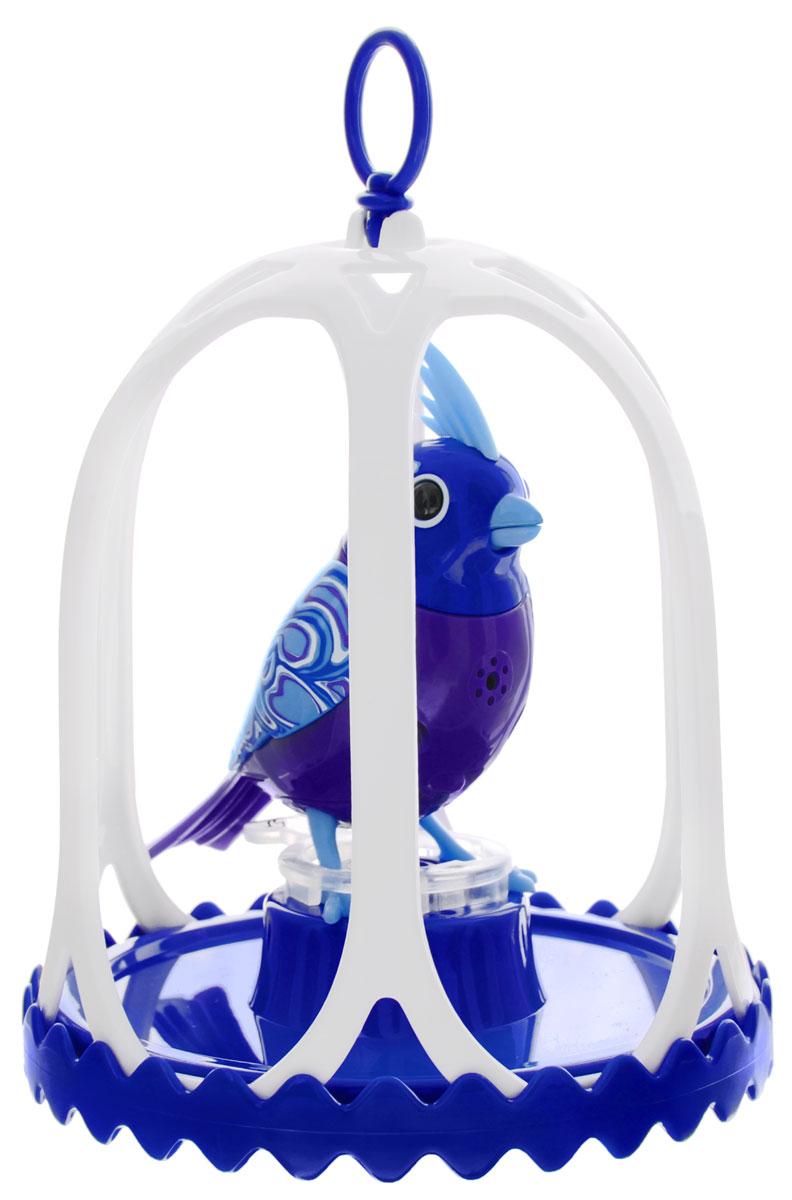 DigiBirds Интерактивная игрушка Птичка Congo в клетке88295SПтичка DigiBirds Congo - это забавная интерактивная игрушка, которая займет малыша на длительное время. Эта игрушка умеет выполнять разные действия: щебетать, петь песенки, при этом двигая головой и клювом. Если подуть на грудку птички, она начнет щебетать. Если подуть в свисток, птичка станет исполнять известную песенку. Игрушка воспроизводит свыше 55 музыкальных свистов. 2 режима работы игрушки: соло и хор. При переключении в режим хора можно последовательно подсоединять птичек к главной, в результате они будут вместе исполнять песенки вслед за главной птичкой и щебетать друг с другом. Птичка сидит в изящной клетке. Несколько клеток можно подвесить одну над другой. В комплекте с птичкой также идет свисток с удобным держателем для пальцев. Игрушка развивает музыкальный слух, любовь к музыке и животным. Для работы игрушки необходимы 3 батарейки напряжением 1,5V типа AG13/LR44 (товар комплектуется демонстрационными).