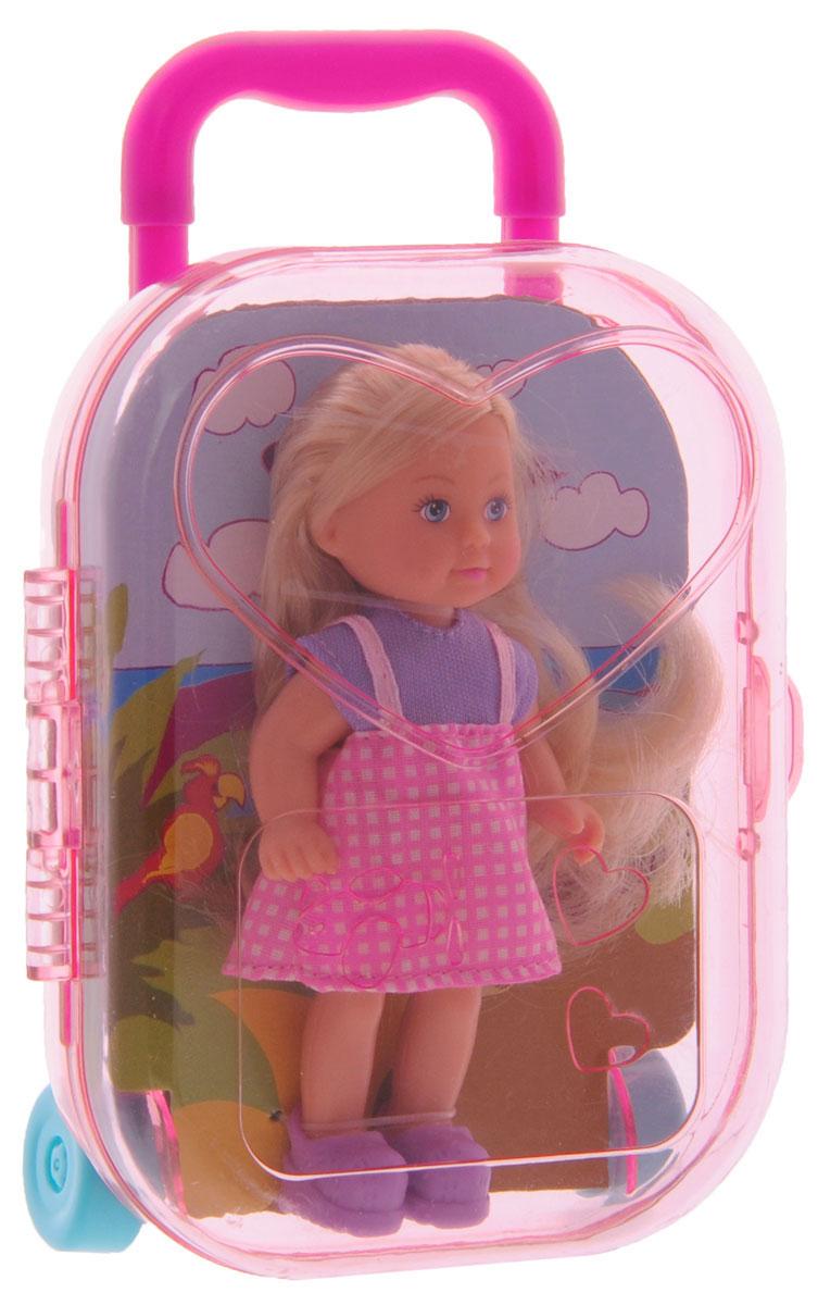 Simba Мини-кукла Еви в чемоданчике5733134Мини-кукла Simba Еви в чемоданчике не оставит равнодушной ни одну девочку. Набор включает в себя куклу и чемоданчик, который одновременно является и упаковкой. Чемоданчик имеет выдвижную ручку, колеса вращаются. Куколка с длинными светлыми волосами одета в розовый сарафан, на ногах - фиолетовые ботиночки. Благодаря маленьким размерам элементов набора ваша малышка сможет брать его с собой на прогулку или в гости. Порадуйте ее таким замечательным подарком!
