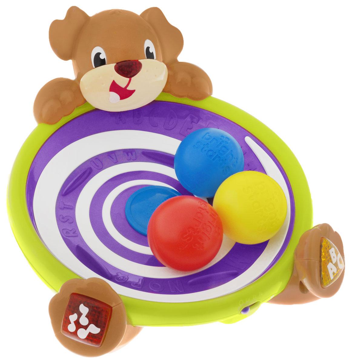 Bright Starts Развивающая игрушка Игривый щенок52176Развивающая игрушка Игривый щенок привлечет внимание вашего малыша и не оставит его равнодушным. Игрушка выполнена из прочного безопасного пластика ярких цветов. Игрушка в виде глубокой чаши и трех разноцветных шариков, которые легко хватать маленькими ручками. При включении игры, внутренняя чаша начинает крутиться, шарики бегают по кругу и вылетают из чаши. Задача малыша - их поймать и снова начать игру. Во время работы из игрушки звучат песенки или английский алфавит, в зависимости от выбранного режима. Существуют два способа активировать игру: нажать кнопочки на лапках щенка или нажать на дно чаши. Цветные фигурные кнопочки - для изучения цветов, фигур, букв или прослушивания мелодии. Игрушка Музыкальный светлячок поможет малышу развить цветовое и звуковое восприятие, хватательные рефлексы, мелкую моторику рук и координацию движений. Рекомендуется докупить 2 батарейки типа АА (комплектуется демонстрационными).