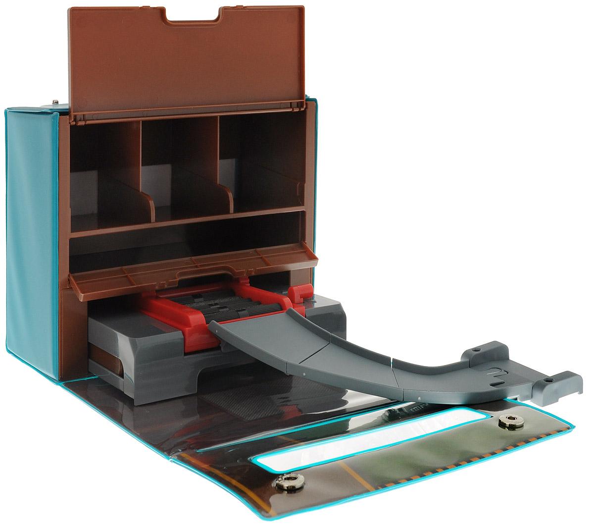Robocar Poli Игровой набор Мастерская Уиллера83247Игровой набор Robocar Poli Мастерская Уиллера станет отличным подарком маленькому поклоннику Robocar Poli. Набор представляет собой мастерскую Уиллера, выполненную в виде кейса. Машинки смогут выехать из гаража с помощью подъемного механизма. Набор можно соединить с треками из серии Робокар Поли. Кейс для хранения способен вместить три машинки (6 см), для переноски предусмотрена ручка. Бокс закрывается на кнопки. В комплект также входит часть дороги и лист с наклейками. Машинки в комплект не входят.