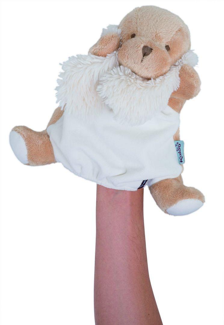 Щенок комфортер, кукла на руку 30 см, коллекция ДрузьяK963133Уникальный аксессуар игрушка-комфортер Щенок от французского производителя высококачественных игрушек для детей Kaloo позволит малышу спокойно и сладко уснуть, и на долгое время станет его постоянным спутником. Особенность игрушки-комфортера состоит в том, что сначала маме необходимо некоторое время подержать игрушку рядом с собой для того, чтобы она впитала материнский запах. После чего игрушку можно дать и малышу. Младенцу будет очень комфортно засыпать с такой игрушкой, она позволит ему быстро успокоиться и сладко заснуть. Со временем комфортер станет не просто игрушкой для сна, но и любимым защитником от плохих сновидений и детских страхов. Игрушку приятно держать в руках и прижимать к себе. Щенок одновременно является также игрушкой на руку, что позволит родителям придумать и разыграть множество увлекательных историй. Это порадует малыша, и позволит ему быстрее заснуть.