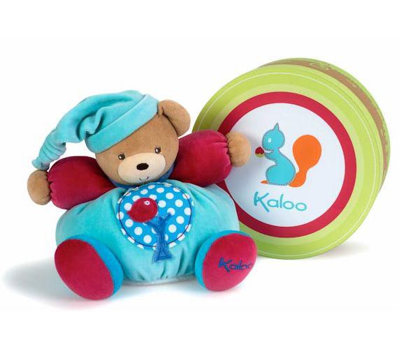 Kaloo Мягкая игрушка Мишка в голубой шапочке 25 смK963251Великолепный мягкий медвежонок светло-розового цвета Kaloo привлечет внимание малыша и надолго станет его постоянным спутником и любимой игрушкой. Медвежонок изготовлен из нескольких видов ткани, что прекрасно будет развивать тактильные ощущения малыша. Игрушка выполнена из качественных и безопасных для здоровья детей материалов, которые не вызывают аллергии, приятны на ощупь и доставляют большое удовольствие во время игр. Внутри игрушки есть погремушка, которая успокоит малыша и привлечет его внимание. Игрушку приятно держать в руках, прижимать к себе и придумывать разнообразные игры. Игры с мягкими игрушками развивают тактильную чувствительность и сенсорное восприятие.